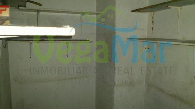 VENTA BAJO COMERCIAL,  CENTRO ALMUÑÉCAR - foto 3