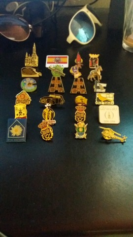 Pins & Broches