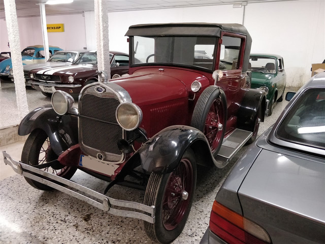 FORD - MODEL A DELUXE - foto 1