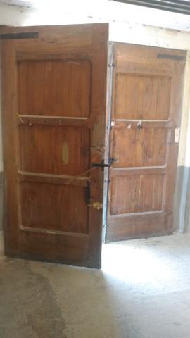 Puertas Grandes De Madera
