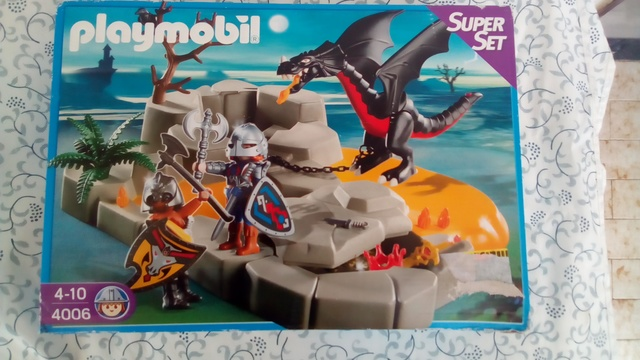 GUARIDA DEL DRAGON DE PLAYMOBIL - foto 1
