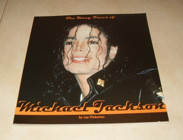 LIBRO THE MANY FACES OF MICHAEL JACKSON - foto 1