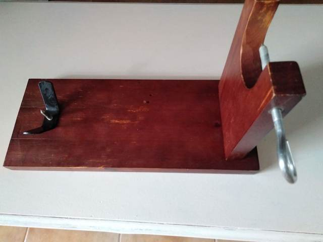 Usado, TABLA DE CORTE DE JAMON segunda mano  Chiclana de la Frontera