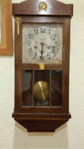 Reloj Muy Antiguo  De Pared