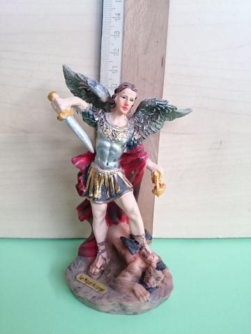 En la lucha Arc/ángel Miguel La fig Figura colecci/ón. Doradas y de color