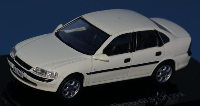 Chevrolet Vectra 2.2 Gls 1998 Escala 1:4