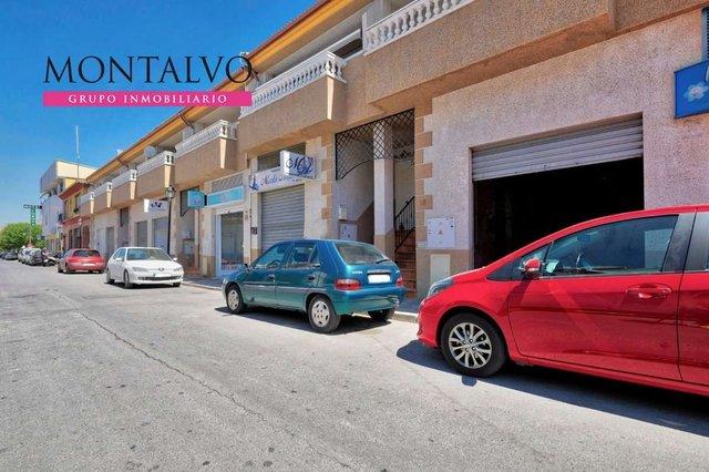 LOCAL EN PRIMERA LINEA COMERCIAL - foto 7