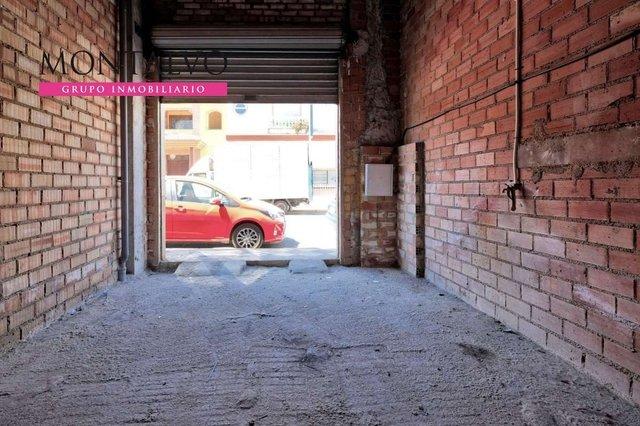 LOCAL EN PRIMERA LINEA COMERCIAL - foto 3