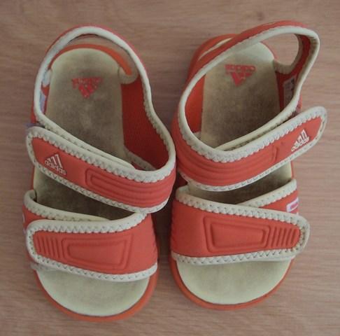 Sandalias Niño Mano Y Com Mil Adidas Anuncios W8kxon0p Segunda yI7f6gmvYb