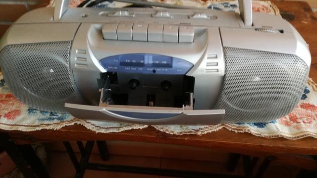 VENDO RADIO CASSET RETRO - foto 1
