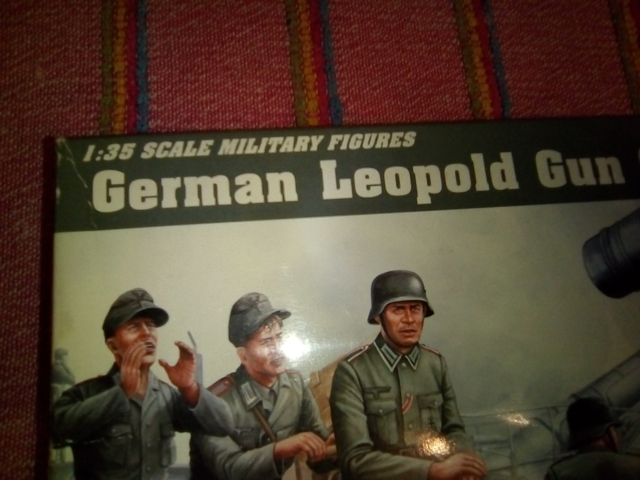 GERMAN LEOPOLD GUN CREWS 1/35 - foto 2