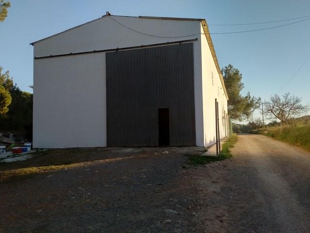 ALQUILER NAVE DE 100M2 EN SANT CARLES - foto 2