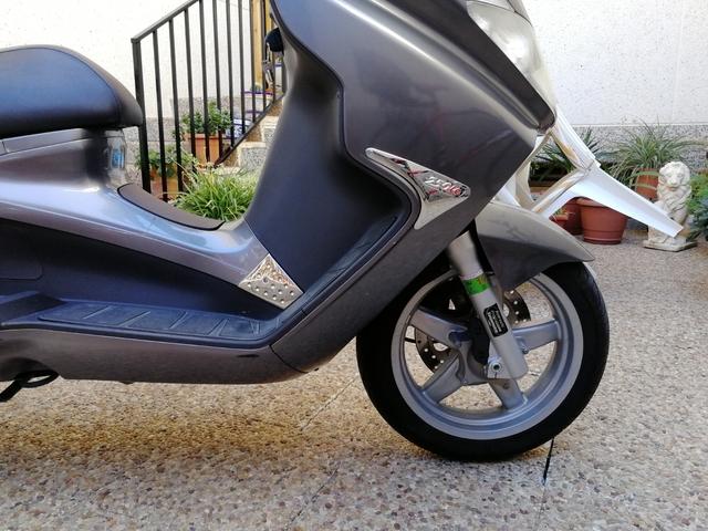 PIAGGIO - X8 250 IE - foto 3