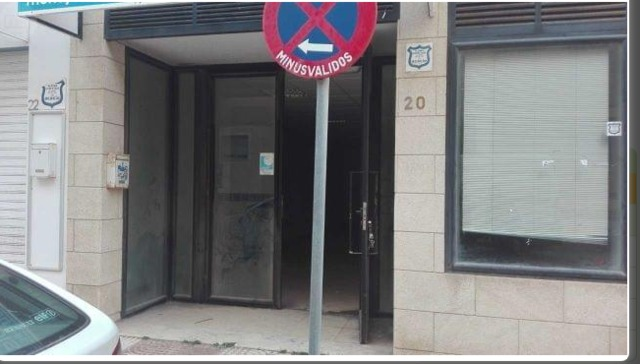 LOCAL CON LICENCIA DE TIENDA !!! - foto 1