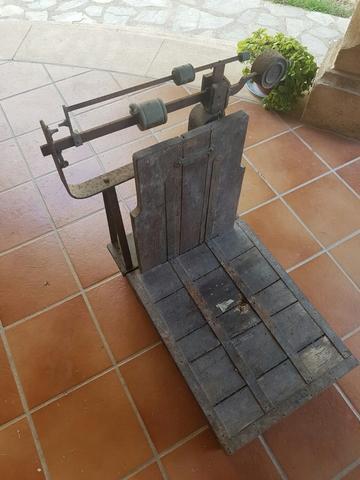 Balanza Antigua Madera Cobre