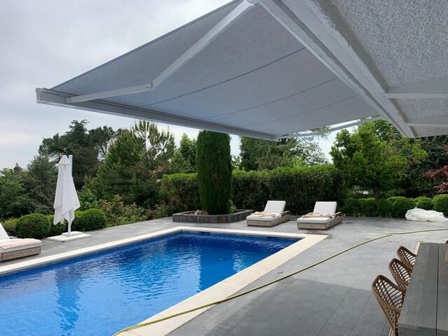INSTALACIÓN DE TOLDOS - foto 3