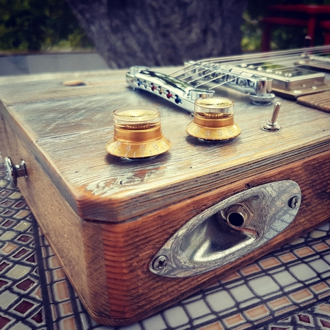 CIGAR BOX GUITAR LOLUTHIER CUSTOM LP - foto 3