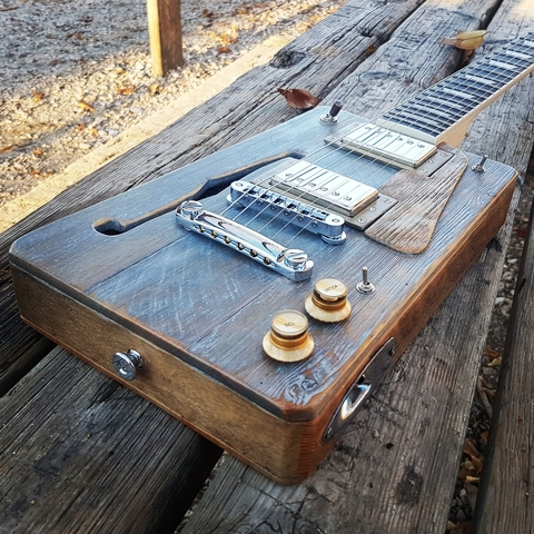 CIGAR BOX GUITAR LOLUTHIER CUSTOM LP - foto 1