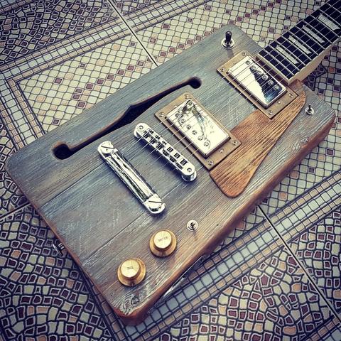 CIGAR BOX GUITAR LOLUTHIER CUSTOM LP - foto 2