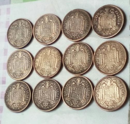 12 Monedas De 2,5 Pesetas 1953