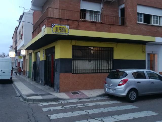 SE ALQUILA ZONA DE ALMACENAJE - foto 1