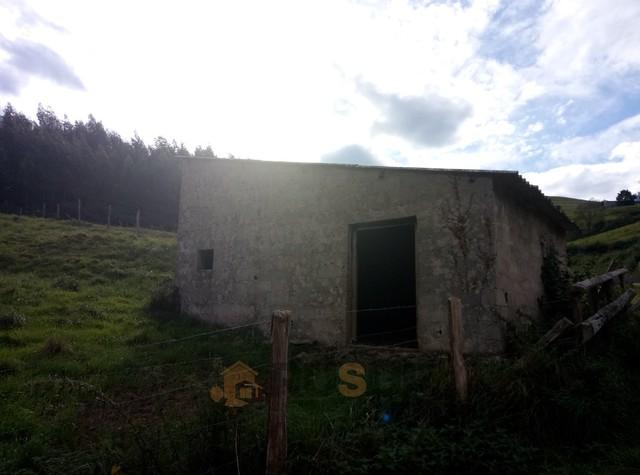 CABAÑA CON FINCA EN ARGOMEDA DE VILLAFUF - foto 2