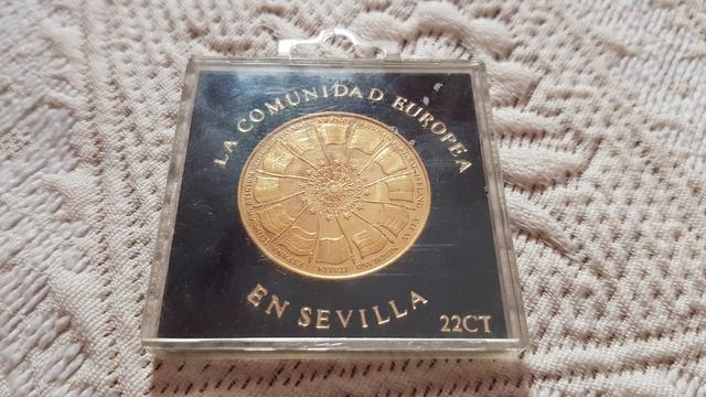 Moneda Antigua Bañada En Oro De 22 K