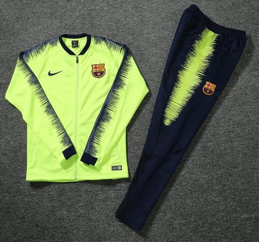 776889a3cd0 MIL ANUNCIOS.COM - Chandal barcelona. Futbol chandal barcelona. Compra  venta de equipamiento: camisetas, balones, botas, zapatilla,.