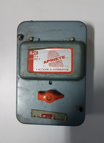 Caja Fusibles Bjc 15 A 220V / 380V