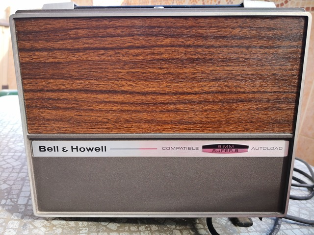 PROYECTOR SUPER 8 ,  BELL AND HOWELL - foto 1
