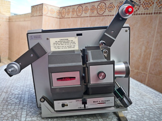 PROYECTOR SUPER 8 ,  BELL AND HOWELL - foto 4