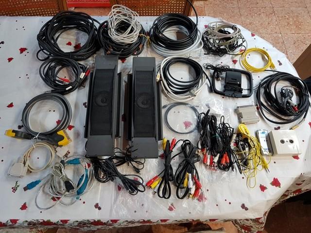 LOTE ALTAVOCES TV Y CABLES SONIDO-IMAGEN - foto 1