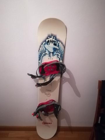 TABLA DE SNOWBOARD 156 Y FIJACIONES - foto 1