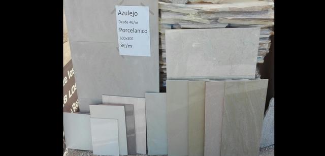 Azulejos Y Suelo Porcelanico