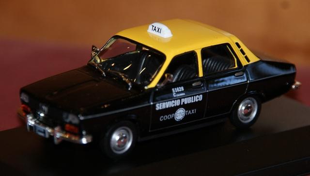 Renault 12 Taxi De Bogota Escala 1:43 En