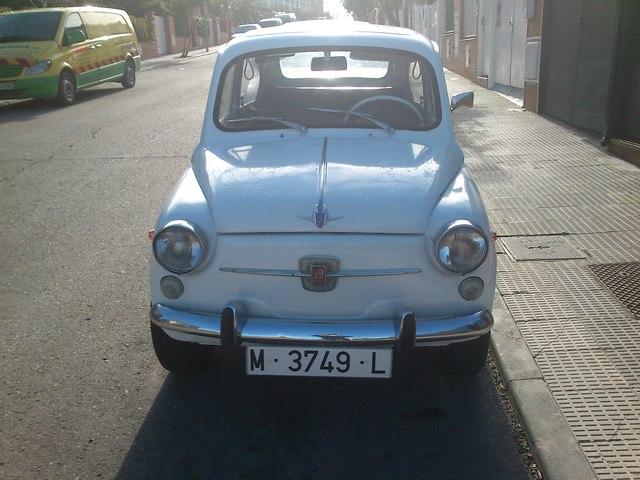 SEAT - 600 L ESPECIAL EXTRAS - foto 1
