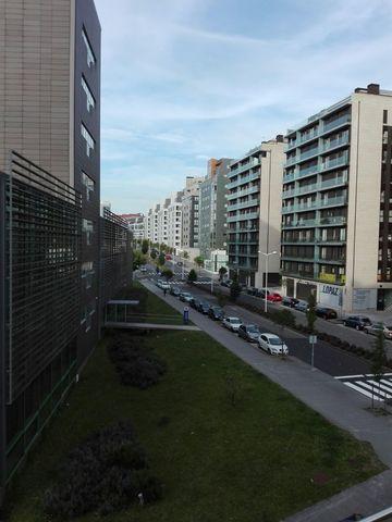 CENTRO CIUDAD-CLÍNICO - AVDA BARCELONA - foto 2