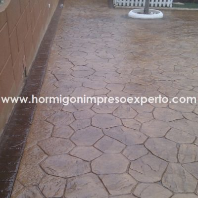 PAVIMENTO DE HORMIGON IMPRESO E PULIDO - foto 1