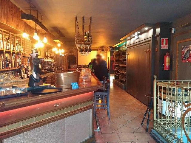 Bar C2 Cafeteria Copas Con Terraza En
