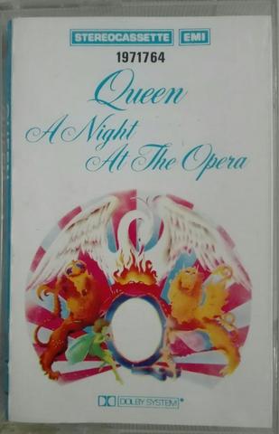 QUEEN. A NIGHT AT THE OPERA- CINTA. segunda mano  Barcelona