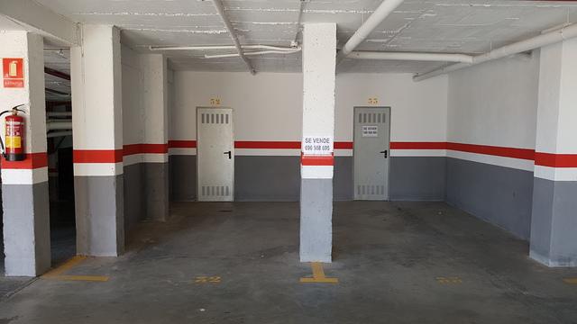 GARAJE Y TRASTERO/ STORAGE ROOM,  GARAGE - foto 1