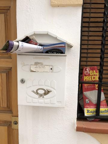 BUZONEO PUBLICIDAD - PEGADO DE CARTELES - foto 8