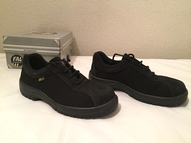 45b64355ee8 MIL ANUNCIOS.COM - Zapatos seguridad Segunda mano y anuncios ...