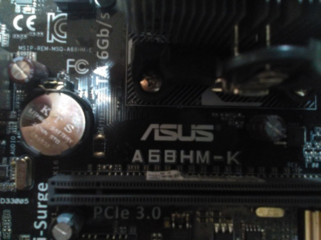 ASUS-A68HM-K - AMD + MICRO AMD A8-7650K - foto 3