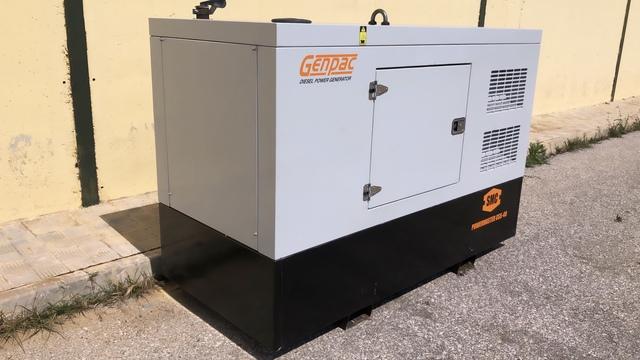 GRUPO ELECTROGENO GENPAC GSS 40 - foto 3