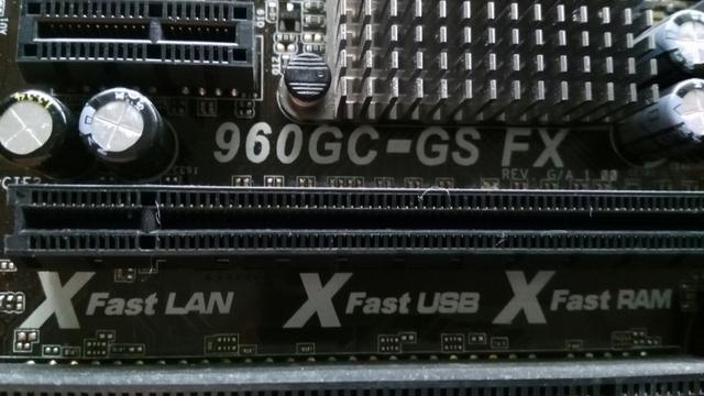 960GC-GS FX ASROCK - foto 2