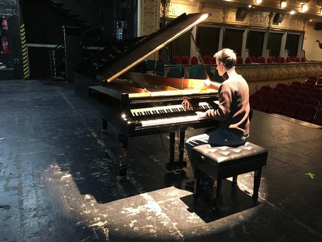 TÉCNICO AFINADOR DE PIANOS.  REPARACIÓN - foto 3