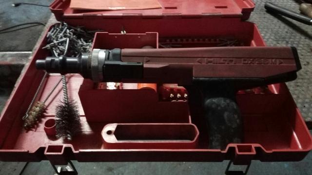 Pistola Clavos Hilti