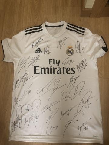 424810438 COM - Camiseta firmada real madrid Segunda mano y anuncios clasificados