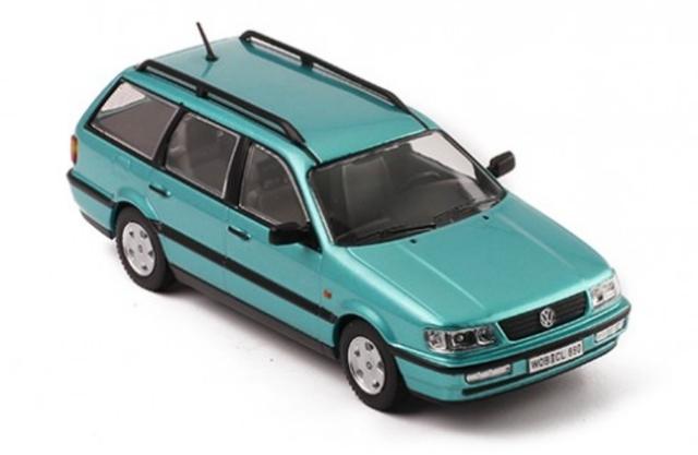 Premium X Volkswagen Passat Break  1:43